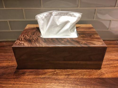 Box à mouchoirs en bois