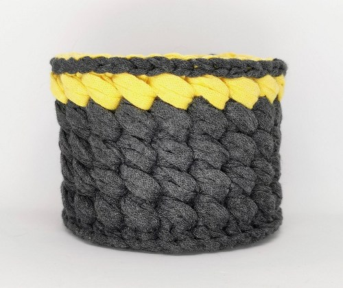 panier noir jaune