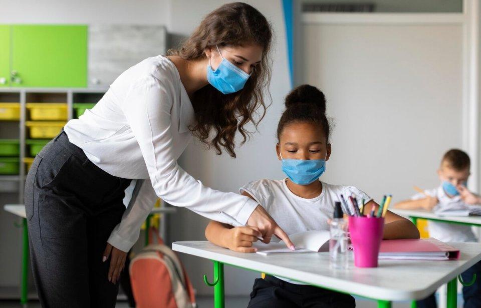 école enseignante pandémie