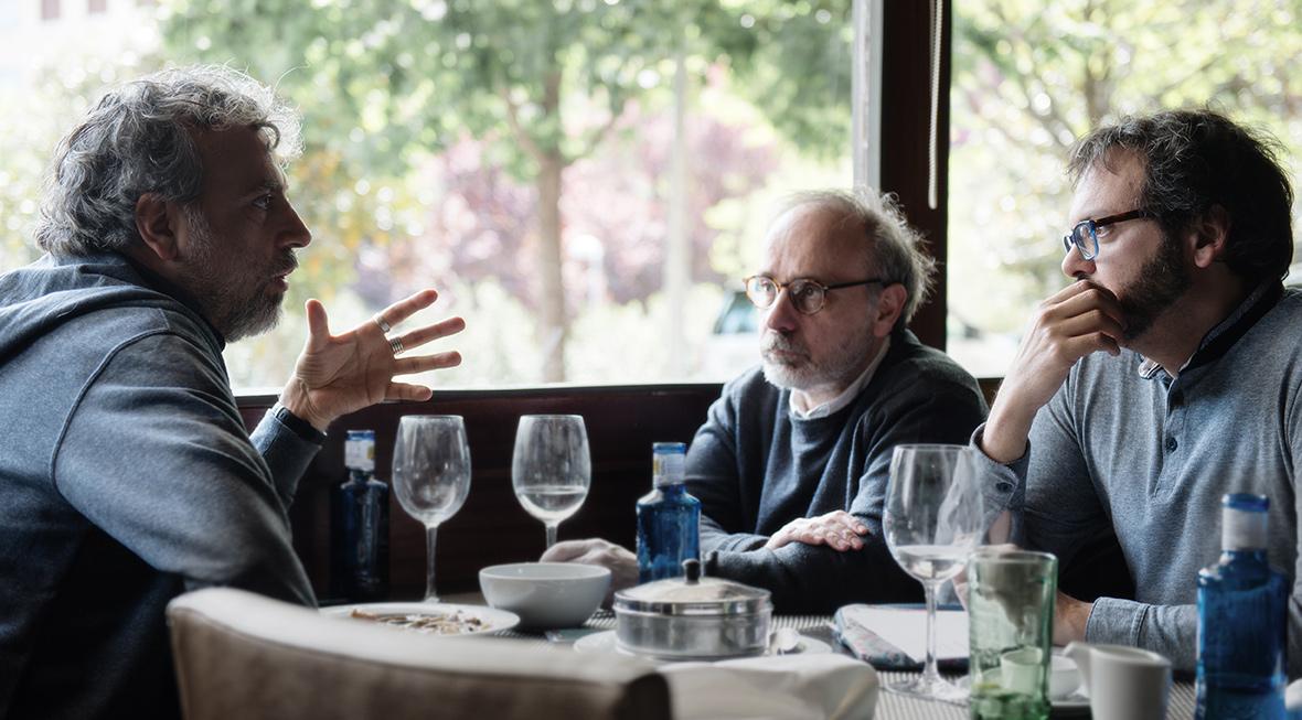Los guionistas Pablo Barrera, Alberto Macías y Nico Romero