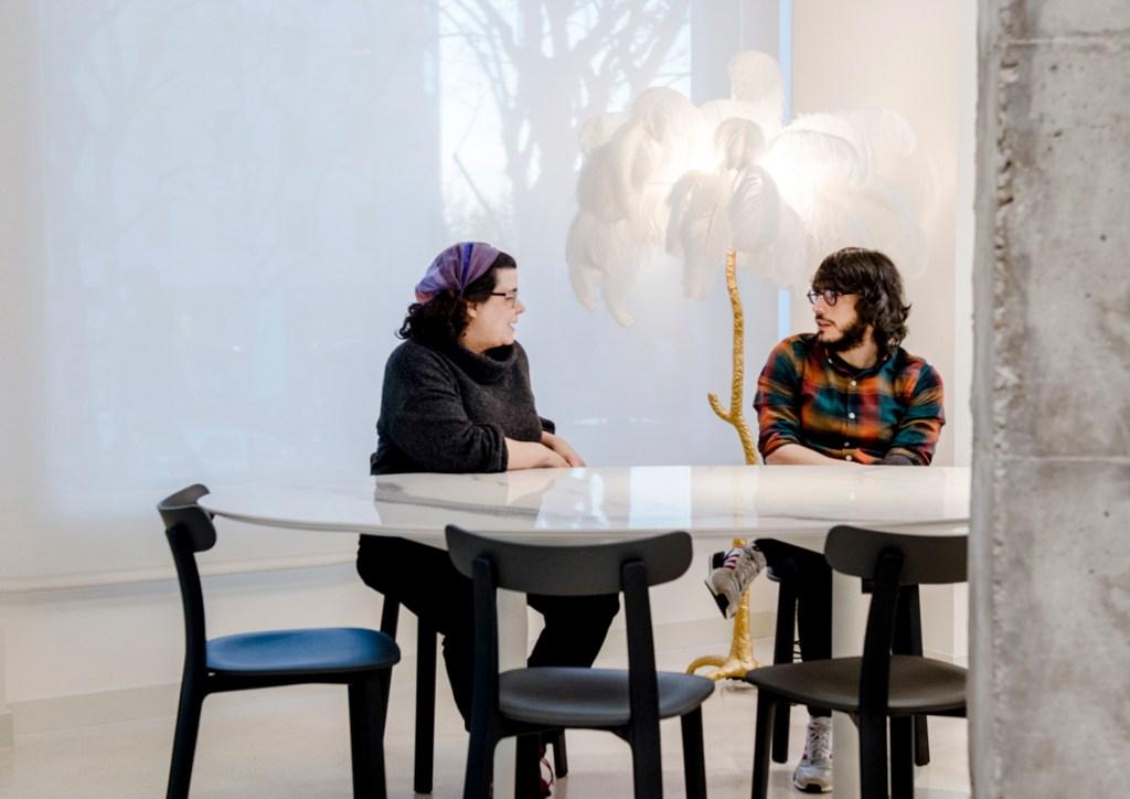 Los guionistas Sara Antuña y Carlos de Pando en la sede de DAMA en MAdrid. Foto Ana Álvarez Prada