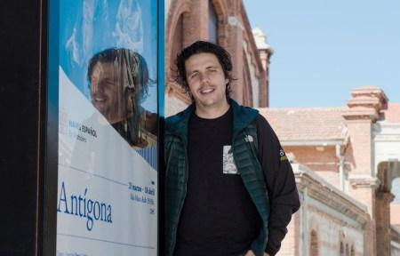 El dramaturgo mexicano David Gaitán en las Naves del Español (Madrid). Foto Ana Álvarez Prada