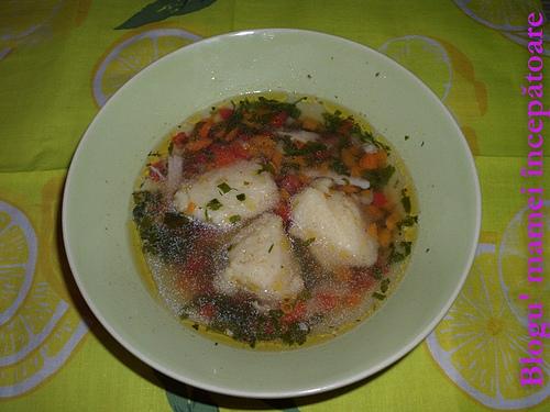 Supă cu găluşte