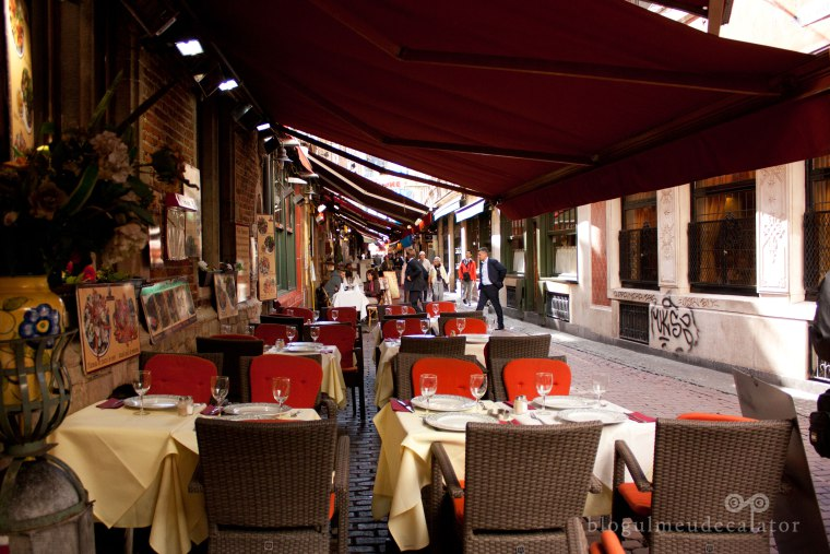 strada cu restaurante in bruxelles