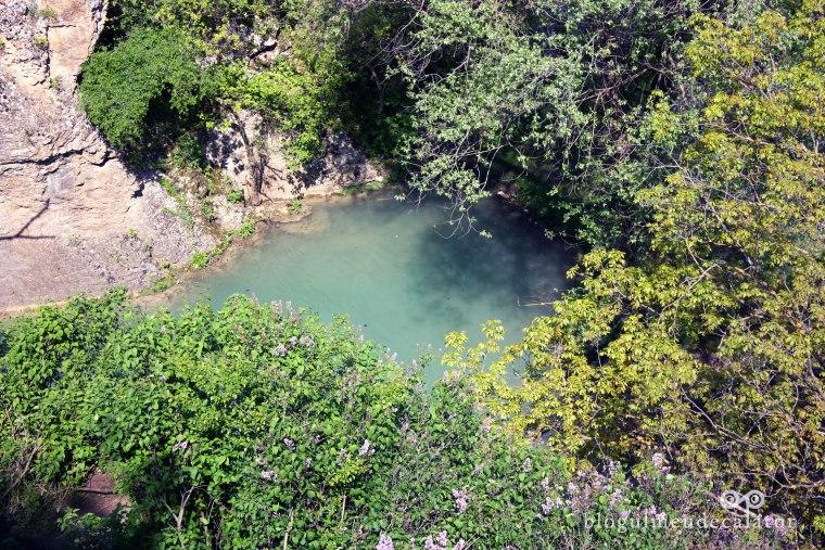 lac in canionul hotnitsa- cascada Kaya Bunar ( hotnitsa)