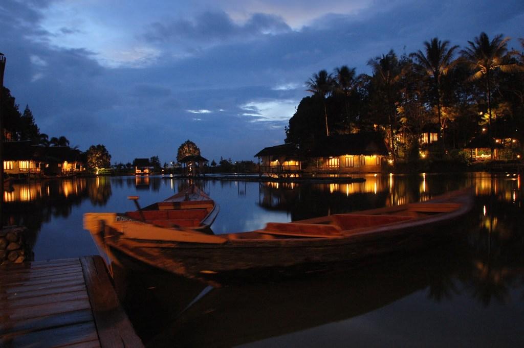 Tempat bulan madu di Indonesia - Sampireun