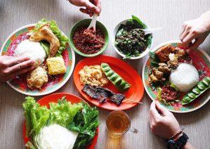 Tempat makan murah di Bandung - Warung Nasi Bu Imas