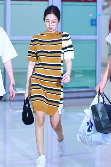 Gaya Fashion Ala Blackpink - Jennie