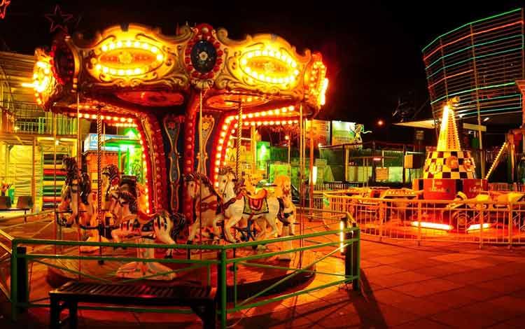 Taman Bermain Terbesar Di Indonesia - Batu Night Spectacular