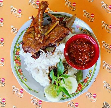 Makanan dan Minuman Khas Surabaya - Bebek Palupi