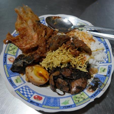 Makanan dan Minuman Khas Surabaya - Nasi Cumi