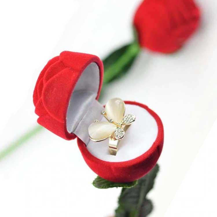 Rekomendasi Hadiah Atau Kado Valentine Untuk Pacar Dan Sahabat - Perhiasan
