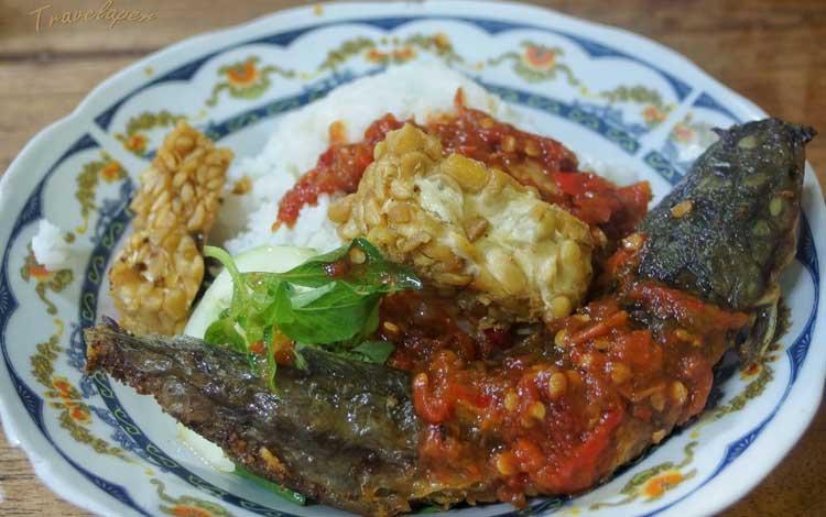 Makanan dan Minuman Khas Surabaya - Sego Sambel