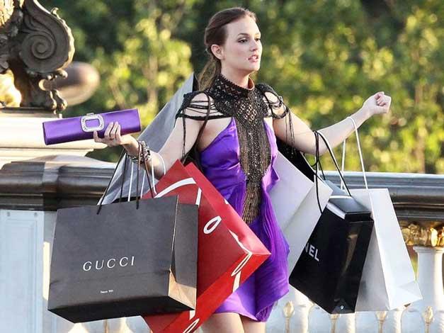 Ciri-Ciri Cewek Matre - Suka shoping