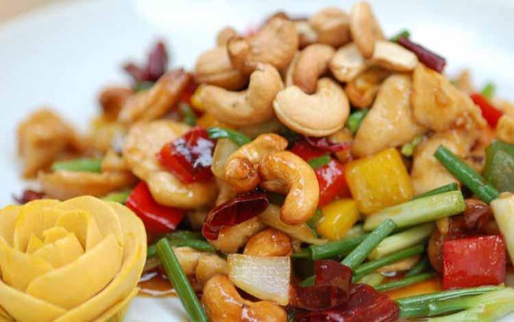 Makan Khas Thailand Yang Enak Dan Cocok Untuk Lidah Orang Indonesia - Kai Med Ma Muang