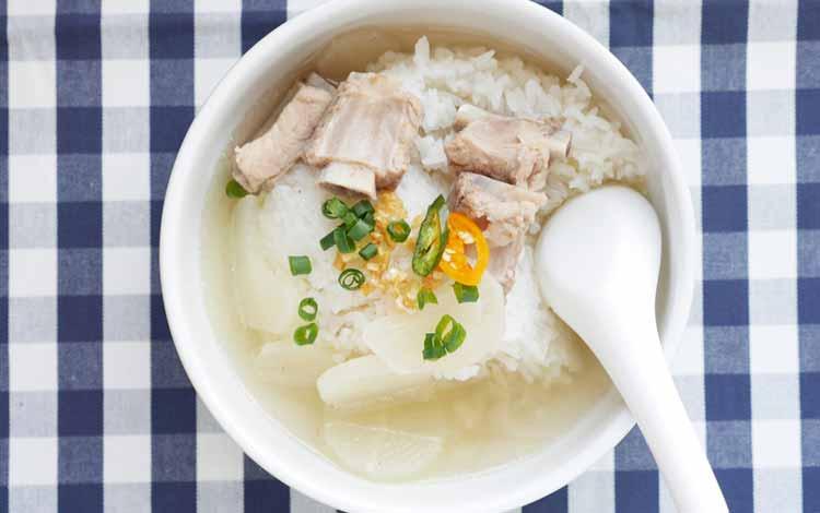 Makan Khas Thailand Yang Enak Dan Cocok Untuk Lidah Orang Indonesia - Khao Tom