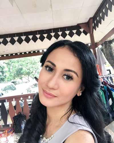 Pemain Sinetron Cinta Buta SCTV - Ria Probo sebagai Bi Hanum