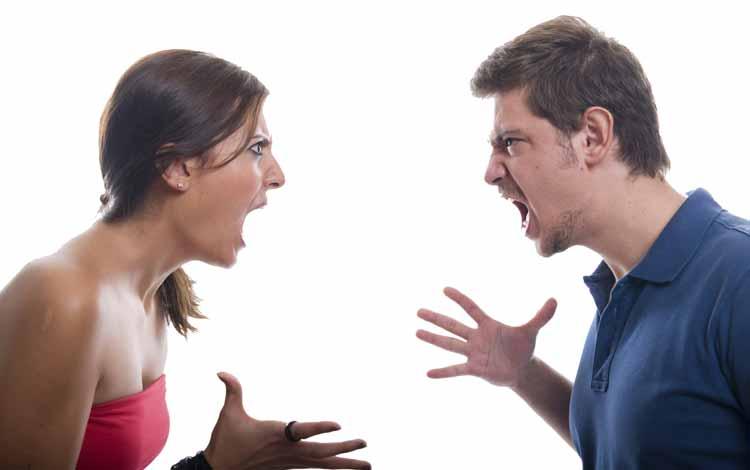 Cara Menghadapi Pasangan Yang Keras Kepala - Ketika Kamu Berbicara Dengannya Gunakan Nada Yang Rendah