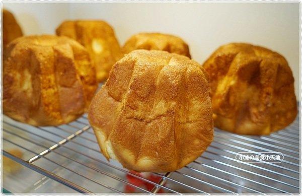 """31ee0969 28e7 495c bd4d 030ab3a82d58 - 熱血採訪│麵包控集合!興大人氣麵包店""""糖印麵包""""搬家囉!! 每日出爐近5.60種以上傳統、日式、歐式、義式麵包,吐司甜點蛋糕等,試營運期間全面8折!!"""