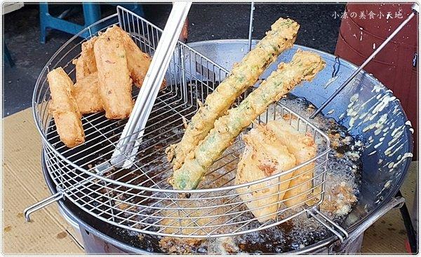 519074c4 0fe8 494f b57f 542cd2afc477 - 台中小吃║大智路四季炸粿蚵嗲,金黃酥脆吃得到傳統古早味,只要銅板價~