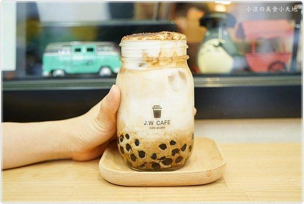 62e25246 f102 48ca 9af2 98635fe72c4e - J.W. Cafe│夏季限定隱藏版,黑糖珍珠咖啡拿鐵、限量是殘酷的