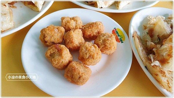 a10a6ae5 567b 46cf b79b 9cefd4062f02 - 幾乎看不到招牌的人氣中西式早餐,推薦海南燒雞、薑汁燒肉蛋餅,是酥香的唷