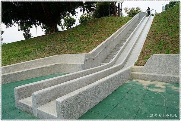 a1a6a6f4 9b97 4afa 87bf d3fb6d840dba - 全台中最長的溜滑梯,正式引爆,沙坑、草地、兒童遊戲區、小孩玩翻天