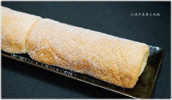 ae9ea5d6 e0b7 43bb b2a1 a353fcccd936 - 丸Maruまる菓子│限量手作,軟嫩又充滿蛋香氣的古早味蛋糕捲,沒預訂就吃不到的懷舊滋味~