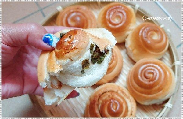 e48f6669 f4ae 4a2d 9eb0 8be6beb6c528 - 一顆只要7元的上海脆皮烤饅頭,當日現烤噴香鹹甜口味,第三市場銅板小吃你吃過沒