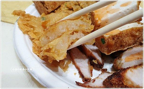 e69e9bca 3a82 4ae0 ba7e 048e2e28ba5b - 台中小吃║藏匿向上市場內的炸粿、金黃酥脆吃得到滿滿爆餡蚵嗲,只要銅板價~