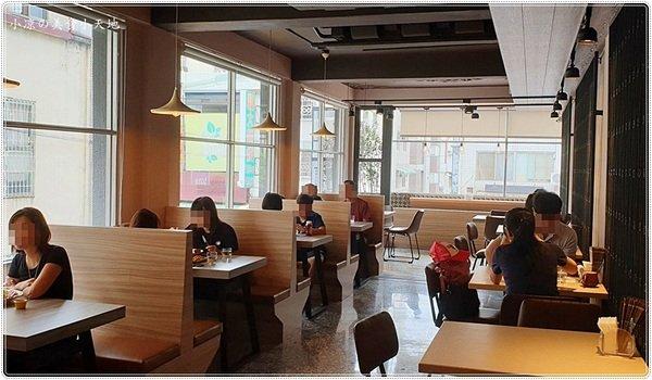 ff0bfa14 adb8 4da0 8f14 4292aff956c3 - 奧樂美特Junior,美式餐廳賣鍋燒麵?美式餐廳結合台灣小吃,無限創意,還有早午餐全天候供應