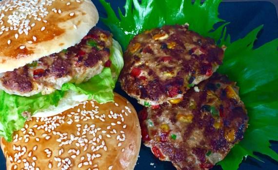 Burgery z grila w bułeczkach zrobionych w domu