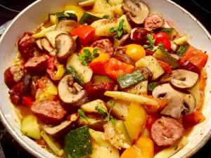 Jednogarnkowy posiłek z cukinią i warzywami