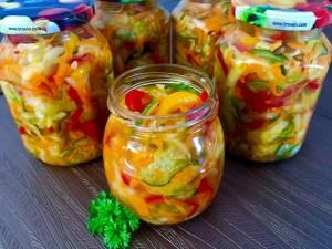 Słoikowa sałatka warzywna