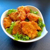 Serowe nuggetsy z kurczaka