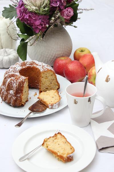 Low Carb Apfel-Gugelhupf Rezept –  wunderbar saftig und fruchtig