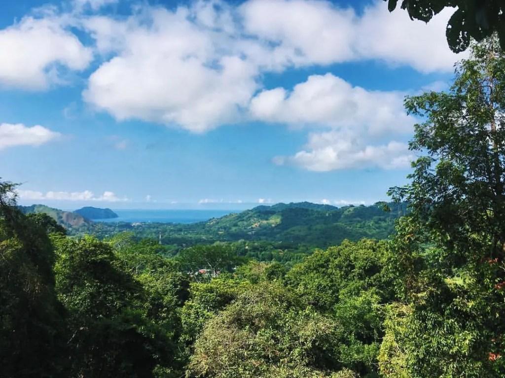 easy guide to playa herradura costa rica