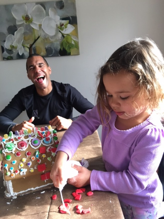 Gingerbread house building_3