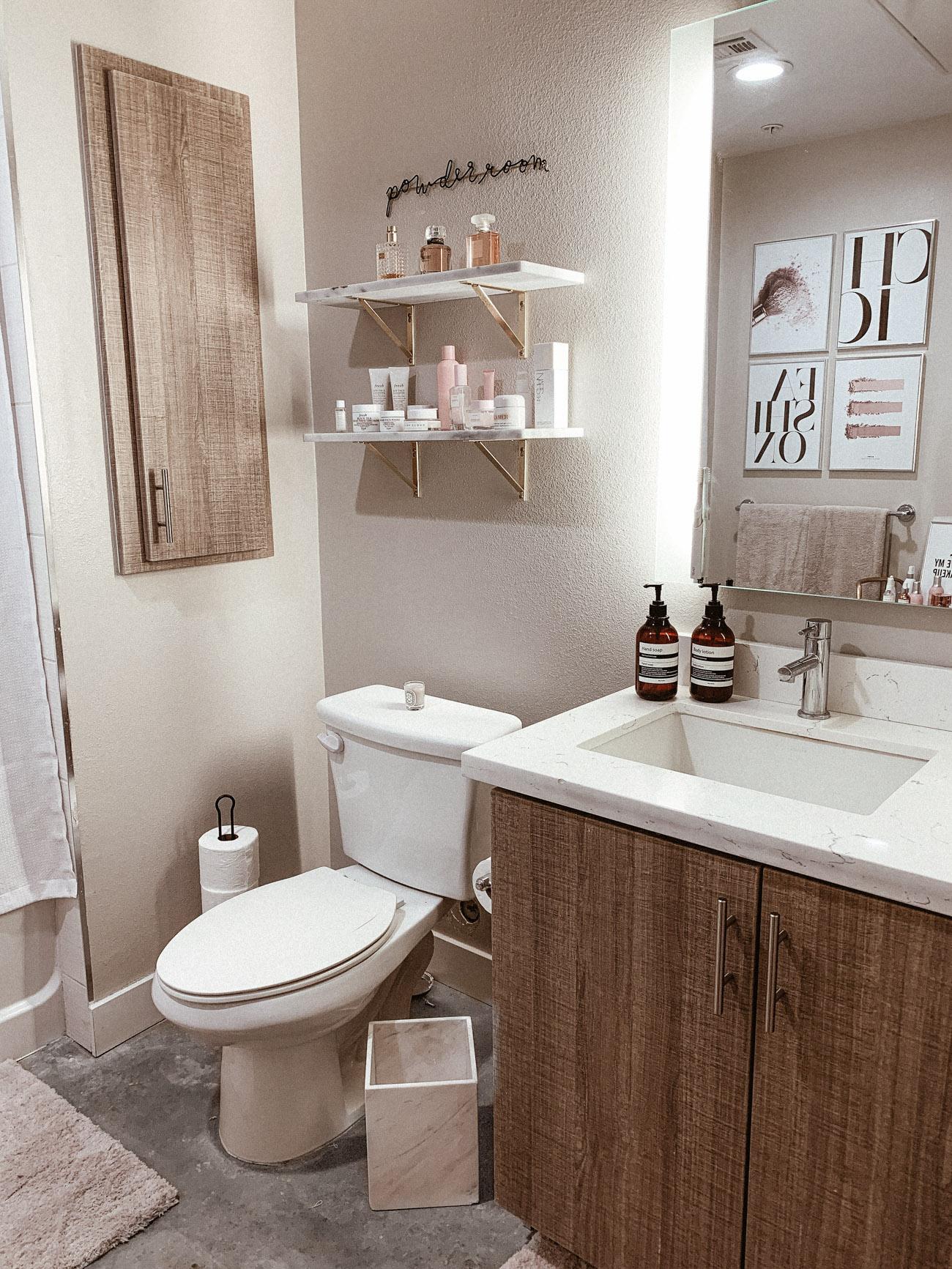 My Apartment Bathroom Decor - BLONDIE IN THE CITY on Apartment Bathroom Ideas  id=18960