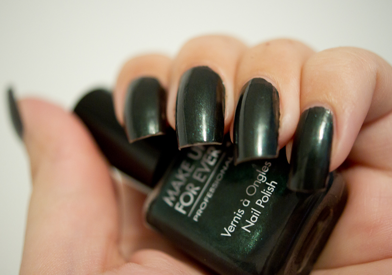 Favori Vernis à Ongles n° 903 (Vert) de Make Up For Ever | Blood is the  OX59