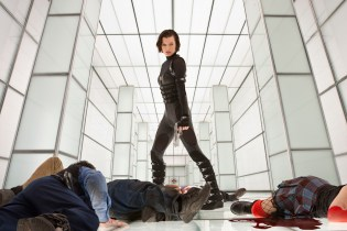1110594 - RESIDENT EVIL: RETRIBUTION