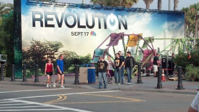 Revolution-Comic-Con-Set-Up-Hilton-Bayfront-003