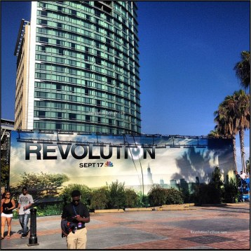 Revolution-Comic-Con-Set-Up-Hilton-Bayfront-004