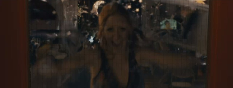 Carrie_Trailer_12_4_4_13