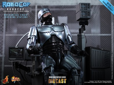Hot Toys - RoboCop - RoboCop with Mechanical Chair (Docking Station)_PR5