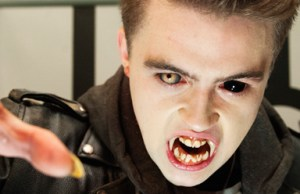 fright-night-2-banner-2