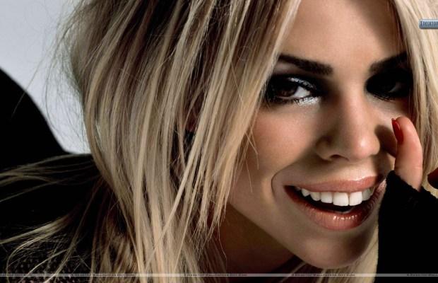 Billie-Piper-Golden-Hairs-Smiling-Face-Closeup