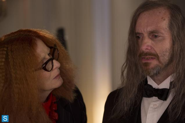 American Horror Story - Episode 3.04 - Fearful Pranks Ensue - Promotional Photos (1)_FULL