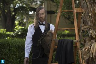 American Horror Story - Episode 3.04 - Fearful Pranks Ensue - Promotional Photos (5)_FULL
