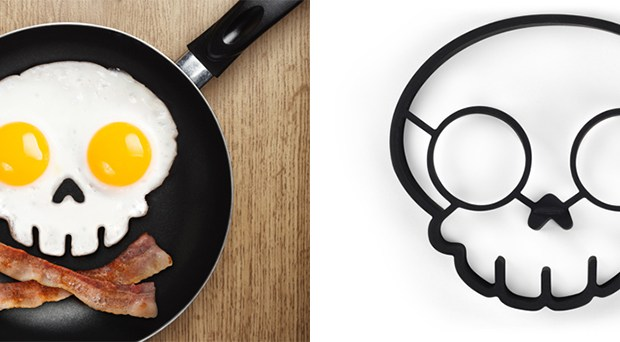funny_side_up_skull_egg_shaper_1